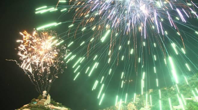 positano-festa-del-2-luglio-a-montepertuso-i-fuochi-jpg-168654.660x368